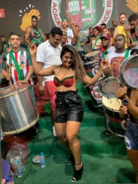 Mileide Mihaile cai no samba na Grande Rio - Reprodução/Instagram