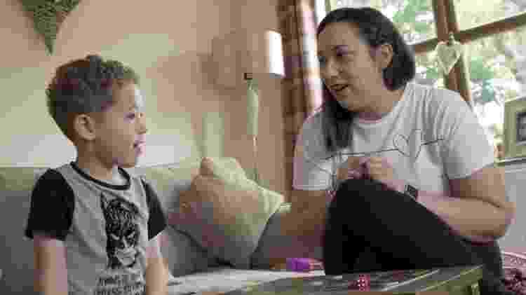 Noah também precisou de tratamento para dormir - BBC