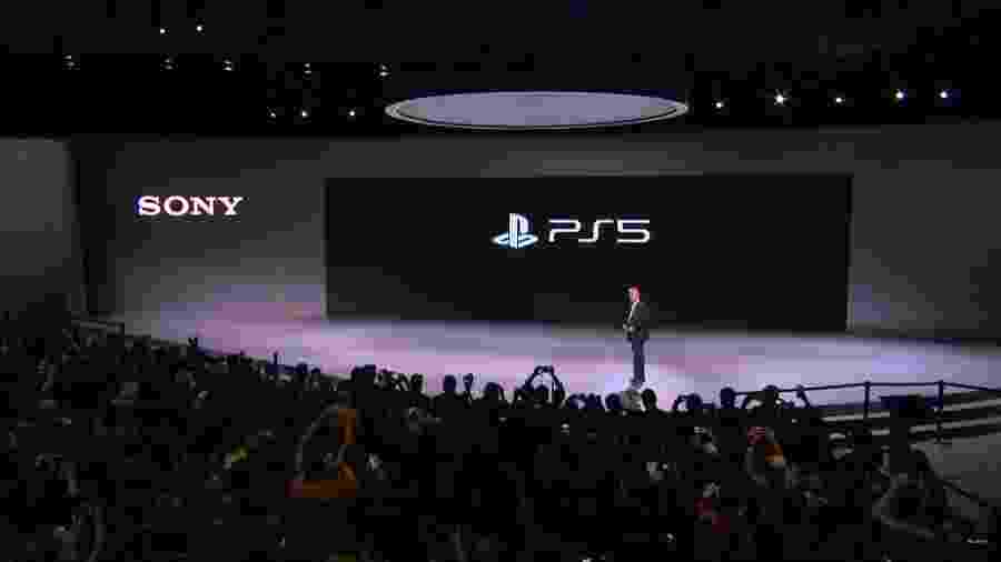 Jim Ryan, presidente da Sony Interactive Entertainment, revela a marca do PS5 - Reprodução/Sony/YouTube