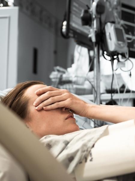 """""""Eu me perguntava como iria embora do hospital de braços vazios"""" - Getty Images/iStockphoto"""