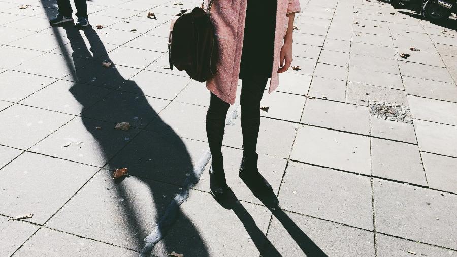"""""""Stalking"""" é o ato de perseguir alguém. Pode ser online ou na vida real - Getty Images"""
