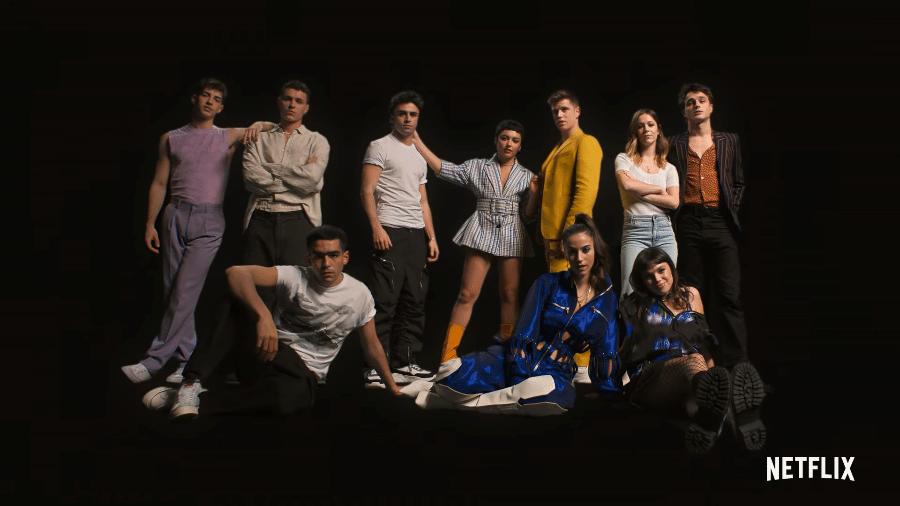 """Elenco de """"Elite"""" faz pose para anunciar data da 4ª temproada - Reprodução/YouTube"""