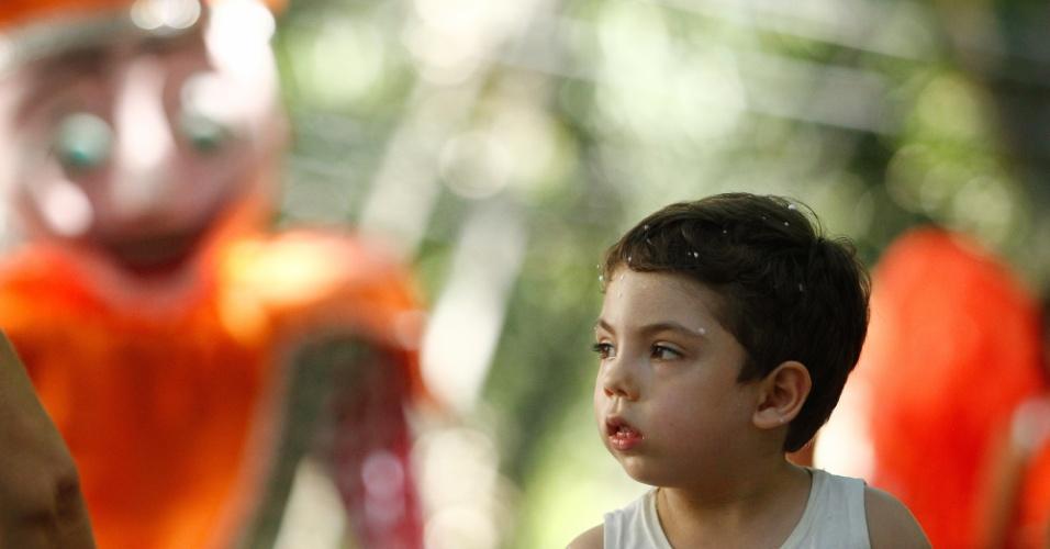 Foliões cariocas se divertem na manhã de domingo (31) em bloco infantil Gigantes da Lira