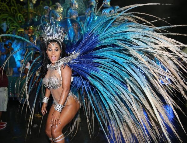 A angolana Carmem Mouro já foi rainha de bateria da Pérola Negra - Manuela Scarpa e Amauri Nehn/Brazil News