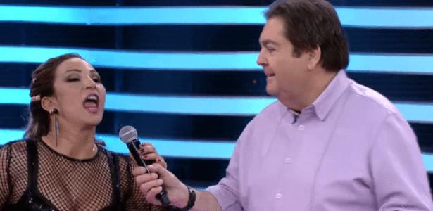 Valesca Popozuda toma microfone de Faustão e web comemora  - Reprodução/TV Globo