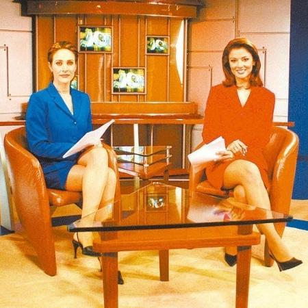 """Cynthia Benini e Analice Nicolau (d) apresentaram telejornal que ficou conhecido como """"Jornal das Pernas"""" - Divulgação/SBT"""