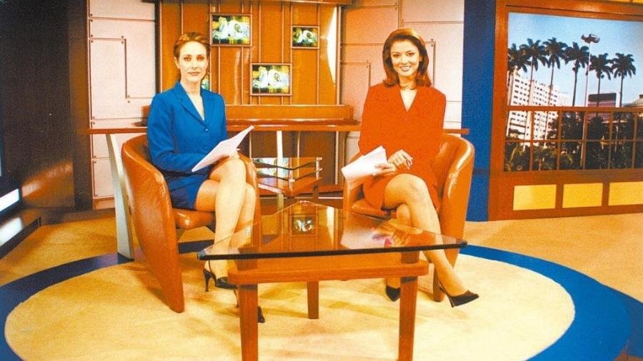 """Cynthia Benini e Analice Nicolau no """"Jornal do SBT"""", em 2003 - Divulgação/SBT"""