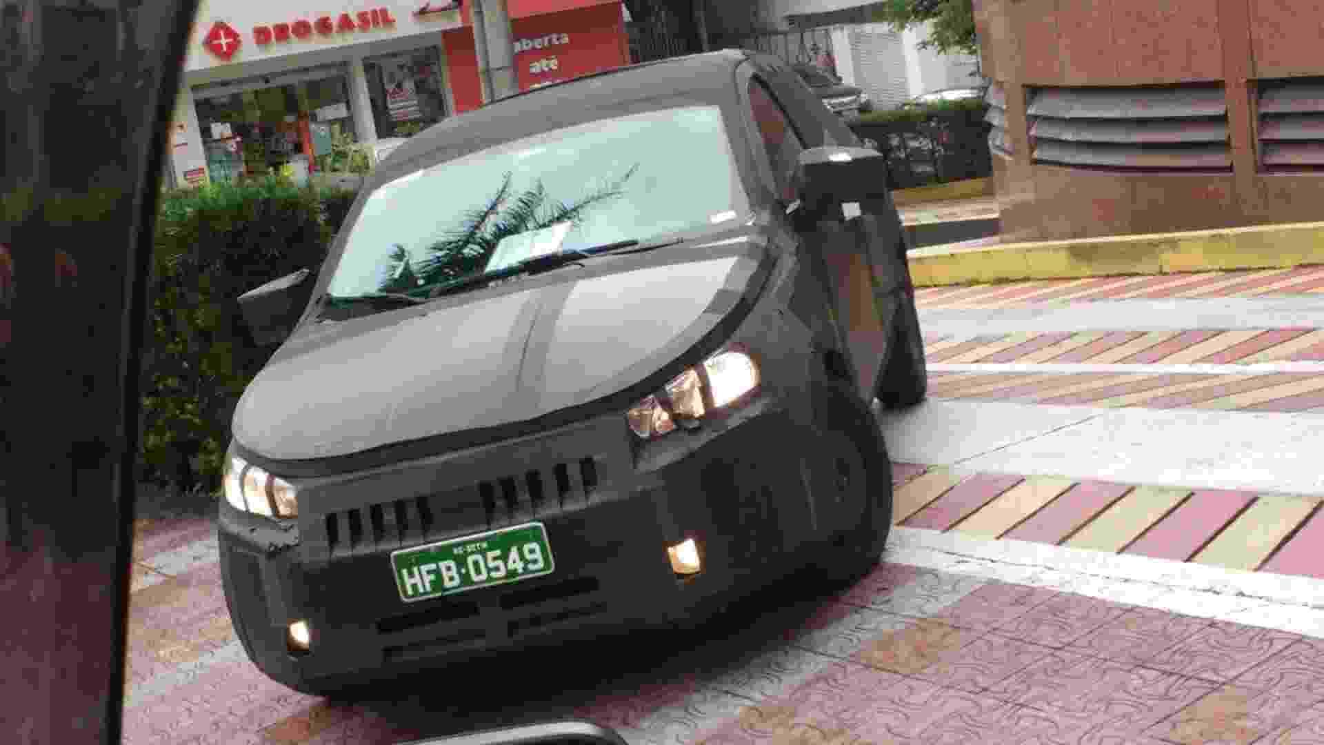 Flagra do Fiat X6H - André Lobo/UOL