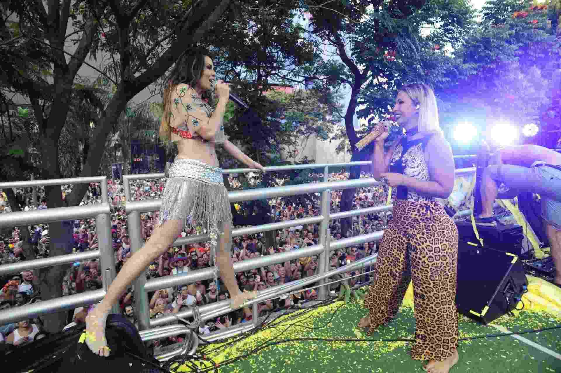 Valesca Popozuda canta ao lado de Aline Rosa em trio elétrico, em São Paulo - Imagem/Divulgação