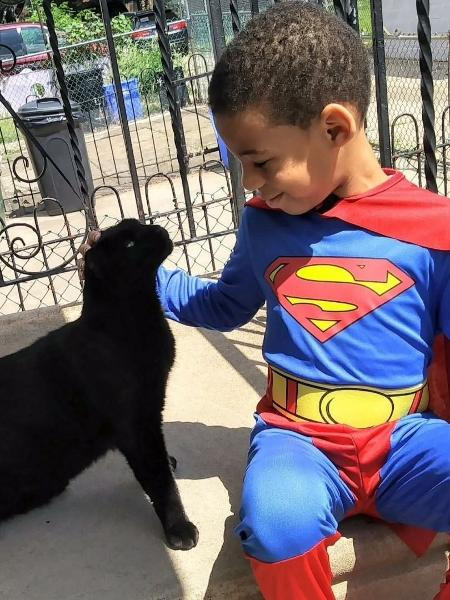 Shon, ou Catman, em mais uma missão - Reprodução/Instagram