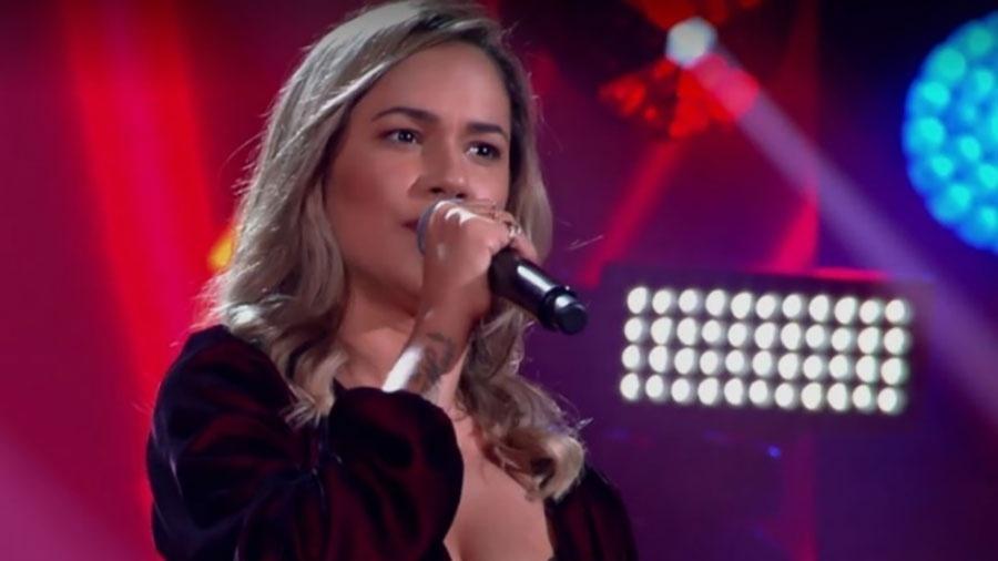 "A cantora Michele Andrade se apresenta no ""The Voice Brasil"" - Reprodução/TV Globo"