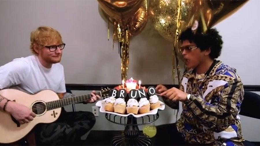 Ed Sheeran canta parabéns no aniversário de 33 anos de Bruno Mars - Reprodução/Instagram