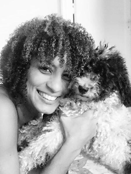 Mônica Benício se despede de cachorrinho que tinha com Marielle Franco - Reprodução/Instagram