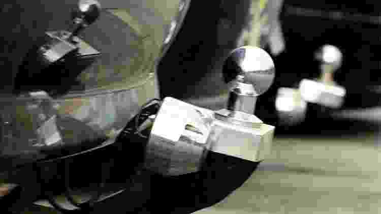 Detalhe de carro com engate traseiro para reboqu - Fernando Moraes/Folhapress - Fernando Moraes/Folhapress