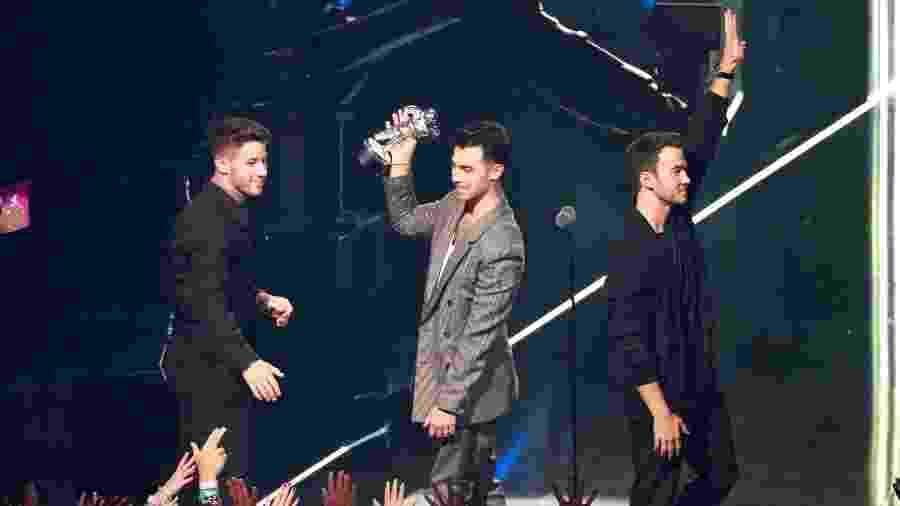 Jonas Brothers celebram prêmio de Melhor Vídeo de Pop no VMA 2019, da MTV - Lucas Jackson/Reuters