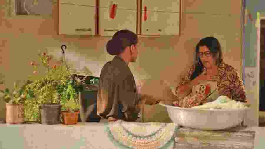 Vitória (Taís Araujo) e Lurdes (Regina Casé) em Amor de Mãe - REPRODUÇÃO/INSTAGRAM