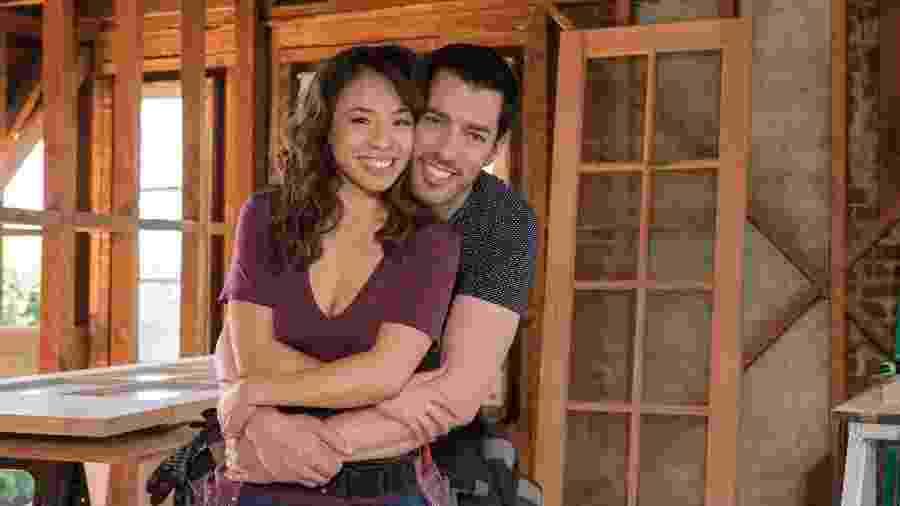 Linda e Drew Scott se casaram em 2018 e agora vão mudar para a casa de seus sonhos, em Los Angeles, EUA - Divulgação/Discovery Home & Health