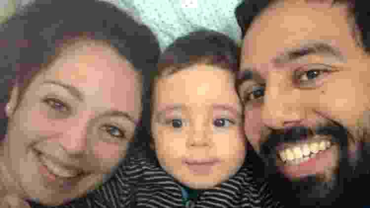 Joaquim ao lado dos pais: garoto foi diagnosticado com autismo aos dois anos - Arquivo Pessoal - Arquivo Pessoal