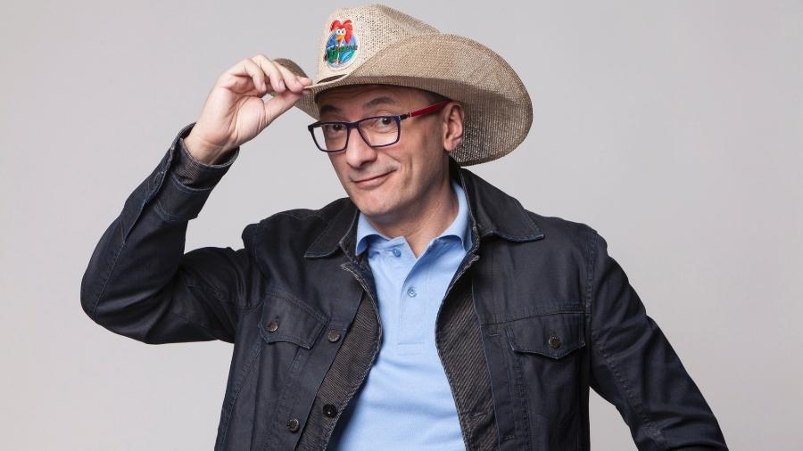 """Britto Jr. na época em que apresentava """"A Fazenda""""; apresentador manda recado para Galisteu - Divulgação"""