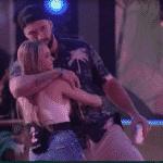BBB 21: Arthur e Carla abraçadinhos - Reprodução/Globoplay