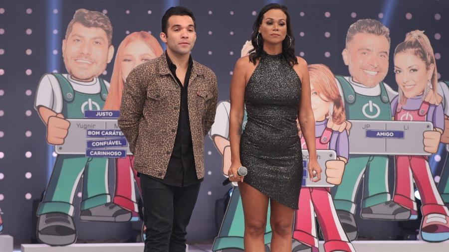 "Power Couple: Carol e JonJon criticam Nina e Felipe na ""Hora do Faro"" - Antonio Chahestian/Record TV"