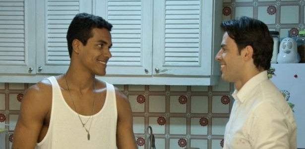 """Em """"Babilônia"""", Ivan e Sérgio trocam olhares"""