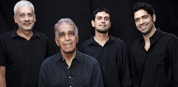 Severino (segundo da esquerda para a direita) em imagem recente do grupo Os Cariocas