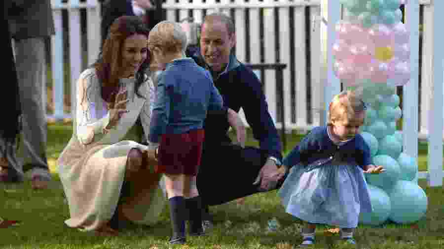 Príncipe William, Kate, George e Charlotte passarão o Natal com a família Middleton - Chris Wattie/Reuters