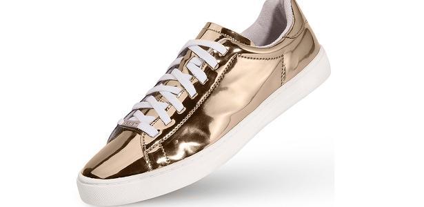 a647ee1b37 Sapatos dourados e prateados estão bombando  veja 39 opções - BOL ...