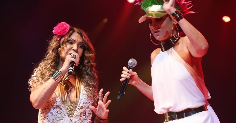 14.fev.2017 - Fernanda Abreu cantou com Elba Ramalho no Show de Verão da Mangueira, realizado no Rio de Janeiro, no Vivo Rio