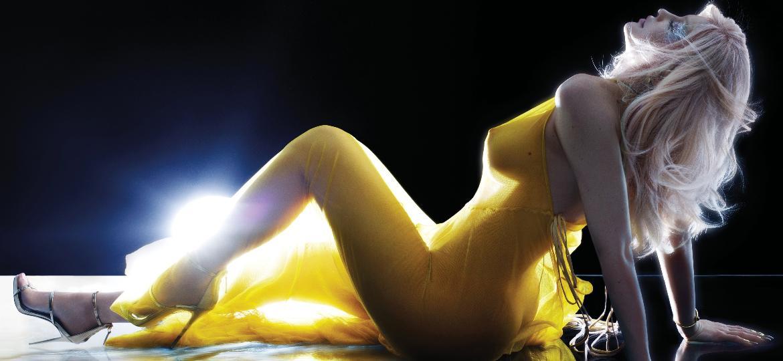 Kylie Jenner em seu primeiro ensaio nua para a revista V Magazine - Reprodução/V Magazine