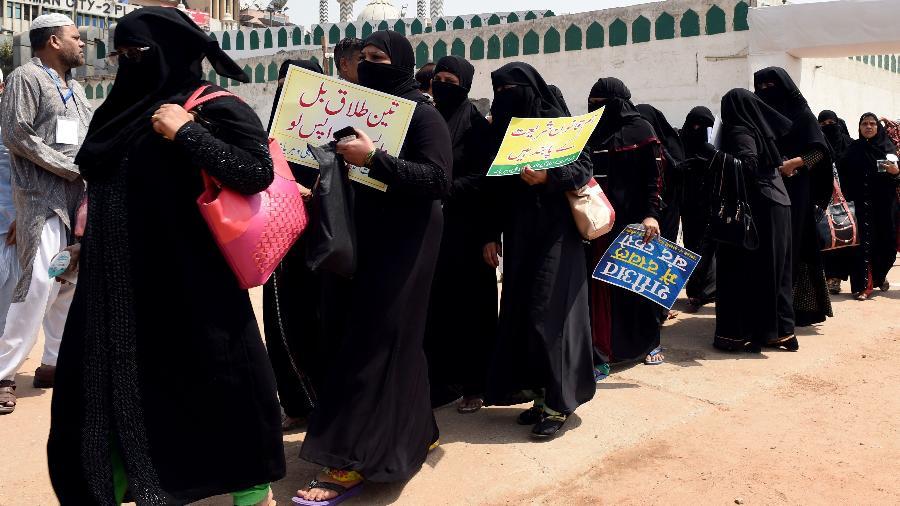 Muçulmanas protestam em Nova Délhi, na Índia - Money Sharma/AFP