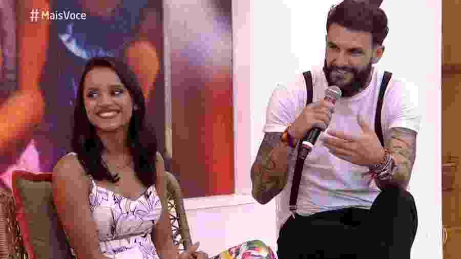 """Gleici e Wagner falam sobre namoro no """"Mais Você"""" - Reprodução/Globo"""