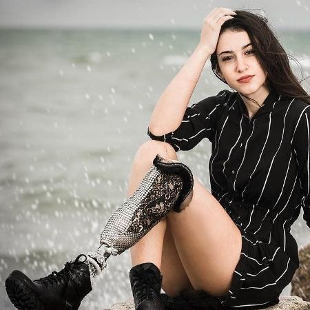 Chiara, de 17 anos, desfilará na passarela do concurso com uma prótese na perna esquerda, amputada após um acidente de trânsito - Reprodução/ANSA