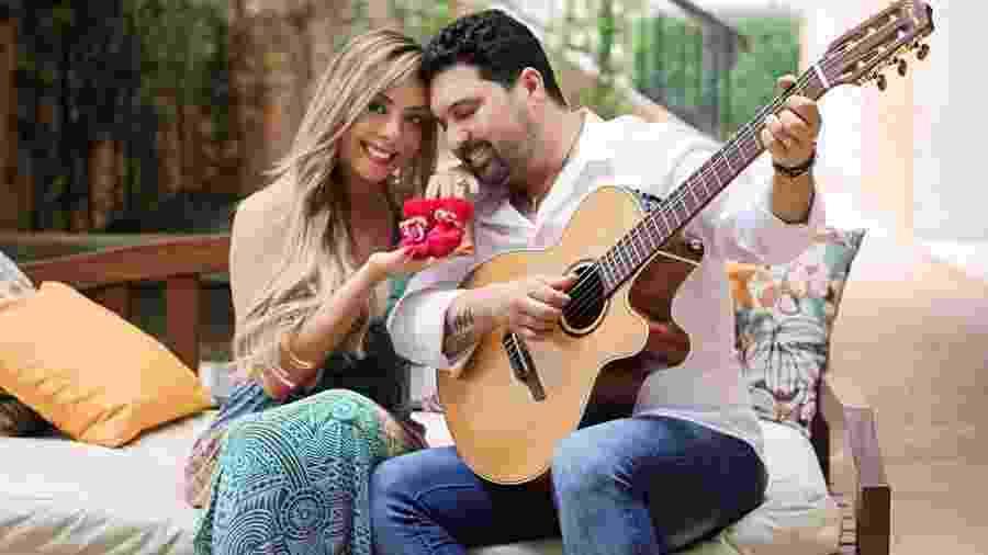 Edson, da dupla com Hudson, ao lado da mulher, Deia Cypri - Reprodução/Instagram