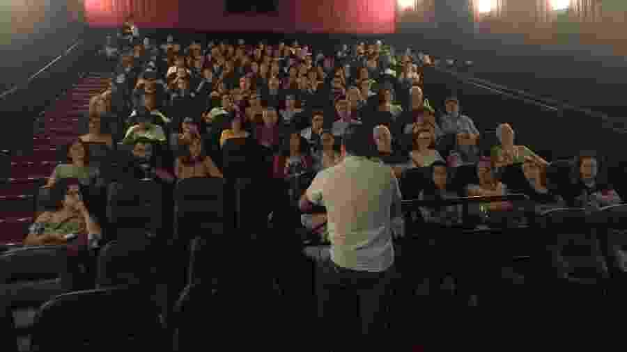 """Público assiste debate após exibição de """"A Esposa"""" no projeto Assista Mulheres - Cortesia de Bruna Mascarenhas"""