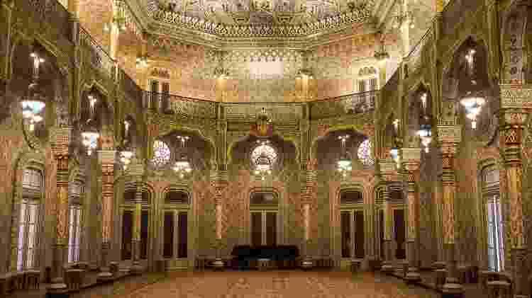 O deslumbrante Salão Árabe no Palácio da Bolsa - Associação de Turismo do Porto e Norte - Associação de Turismo do Porto e Norte