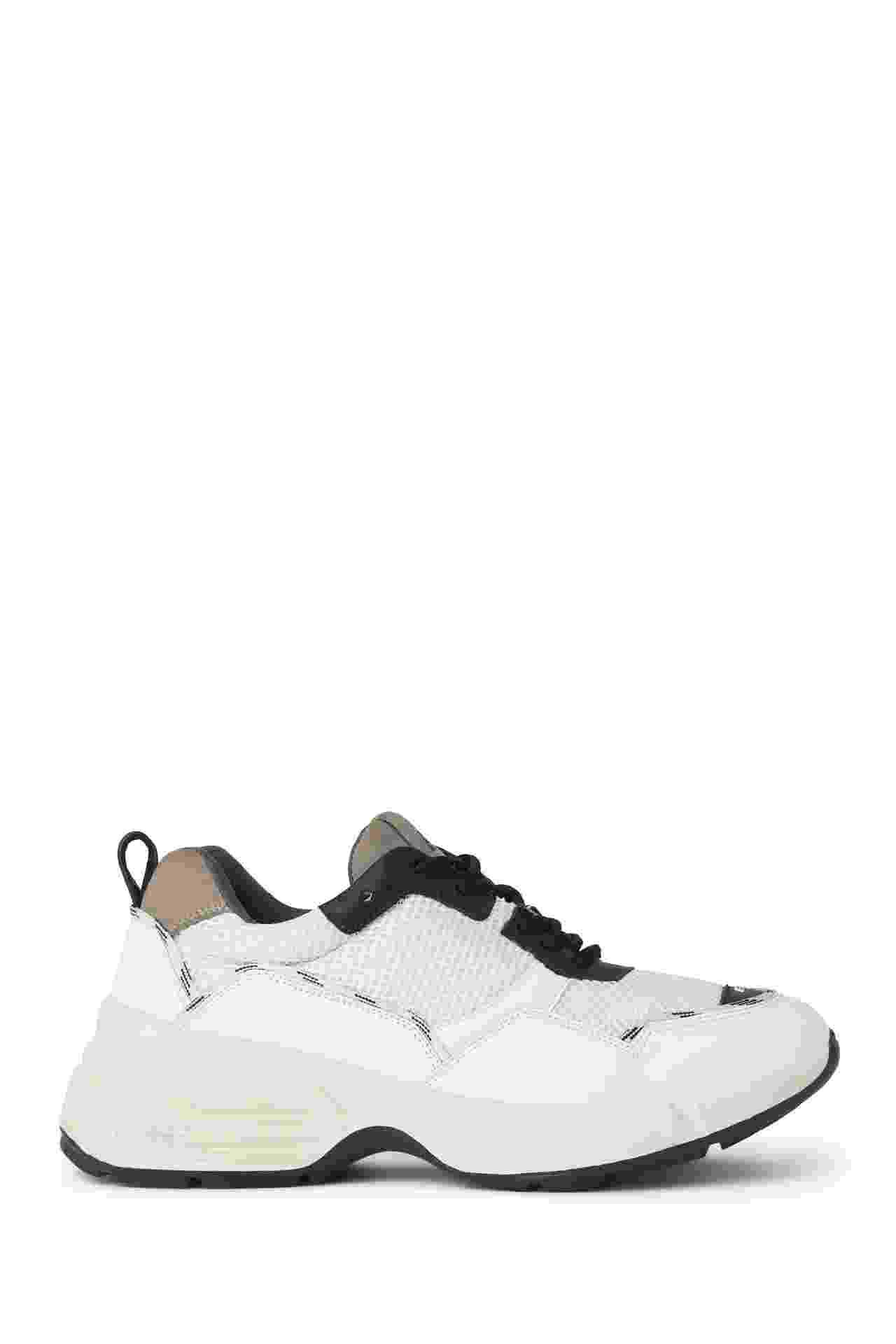 tênis de couro e tela R$ 690 Ellus http://ellus.com/ - Divulgação