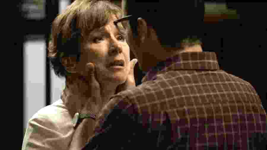 Beatriz e Zé Hélio se beijam em A Dona do Pedaço - Divulgação/Globo
