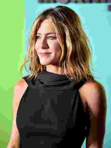 Jennifer Aniston surge com cabelo natural em evento em Nova York - Getty Images
