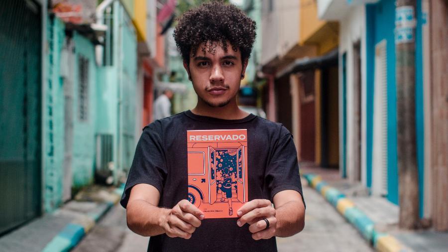 Livro é coisa de playboy? Alexandre Ribeiro na Favela da Torre - Lucas Sampaio