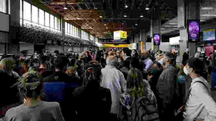 Movimento no Aeroporto de Cumbica, em Guarulhos (SP), durante a pandemia - Rebeca Figueiredo Amorim/Getty Images - Rebeca Figueiredo Amorim/Getty Images