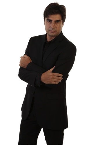 Arthur Torres (Gustavo Rodrigues)