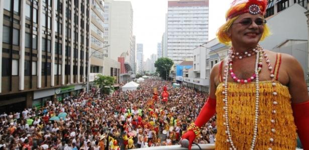 Bloco Garibaldis e Sacis trazem o gostinho do Carnaval a Curitiba durante a programação de Pré-Carnaval