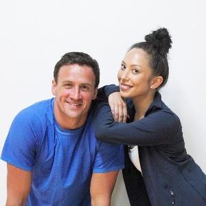 """Ryan Lochte com a dançarina e parceira no """"Dancing with the Stars"""" Cheryl Burke - Divulgação/ABC"""