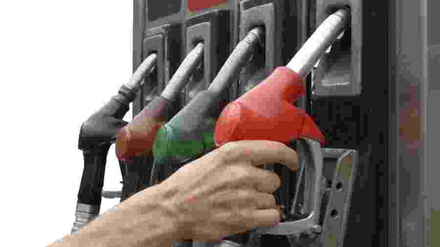 Gasolina teve alta média de 4,5% em julho, contra 1,86% do etanol. Os dois combustíveis têm subido com reabertura da economia - Shutterstock