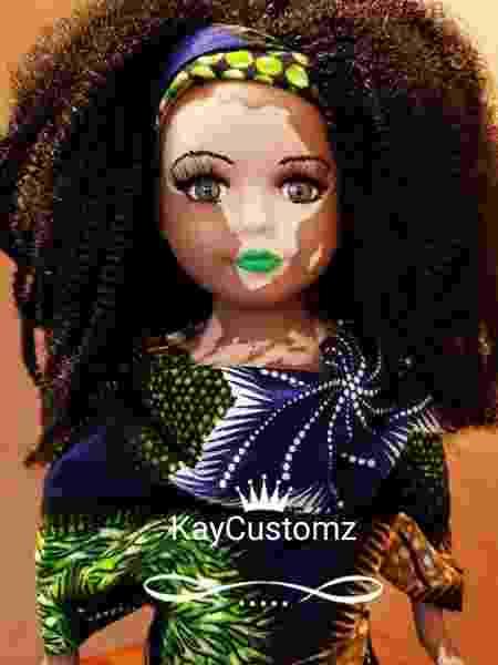 Artista cria bonecas empoderadas - Reprodução/Instagram/kaycustoms