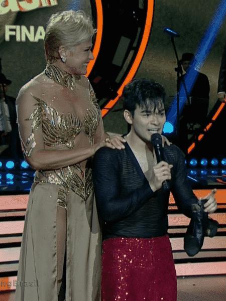 """Yudi com Xuxa na final da segunda temporada do """"Dancing Brasil"""" - Reprodução/TV Record - Reprodução/TV Record"""