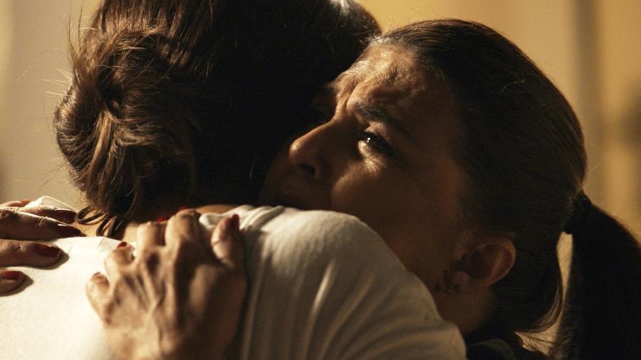 """Bibi se despede da mãe, Aurora, em encontro emocionante em """"A Força do Querer"""" - Reprodução/GShow/A Força do Querer"""