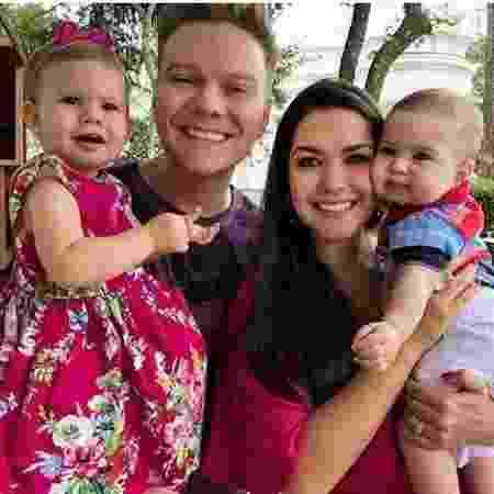 Thais Fersoza e Michel Teló com os filhos Melinda e Theodoro - Reprodução Instagram Tata Fersoza
